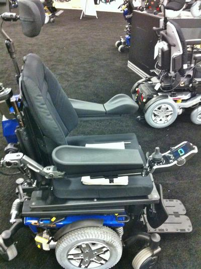 The T-nut attaches easily to the Quantum Q6 Edge. There are T-nut slots in the side of the armrest, beneath the armrest, along the seat track and in the back uprights.
