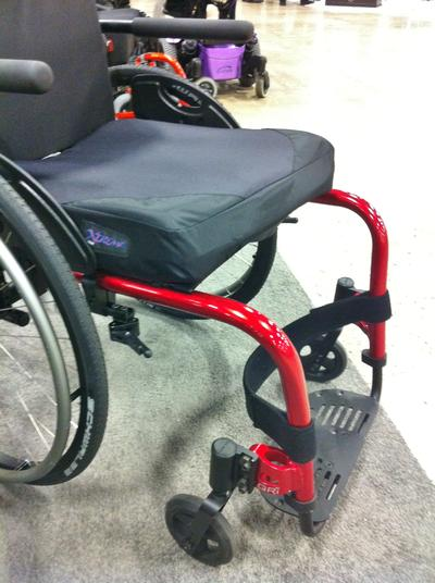 The QRI is attached to with either a bridge clamp, or by sandwiching an Adapter Plate between the Caster and the frame.